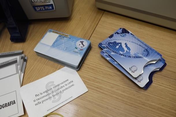 Carta di identità elettronica (CIE) e foto autenticate