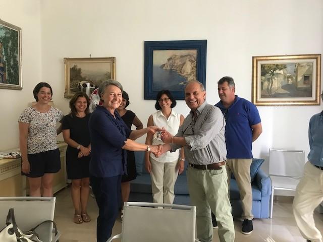 """Stipulato il 30 luglio 2018 il contratto di acquisto di porzione dell'immobile denominato """"Villa Filomena""""  - l'acquisto contribuirà all'allargamento della Casa Comunale migliorando anche la fruibilità al pubblico."""